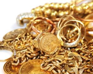 Investasi-Emas-Perhiasan-atau-Investasi-Logam-Mulia